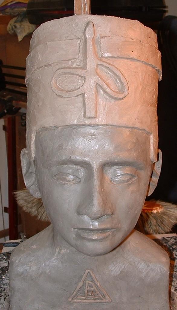 Nefertiti 2011 35x25x20